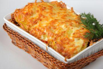 Баранина под сыром с овощами